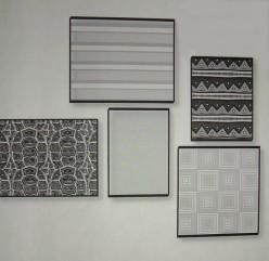 Asymmetrical picture arrangements look spontaneous.