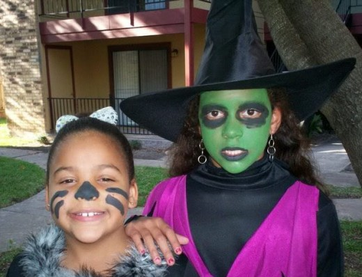 Choose green food coloring as a perfect punch for Halloween!