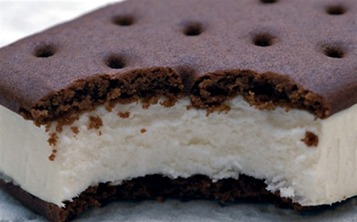 Who can resist a whole cake made out of ice cream sandwiches?