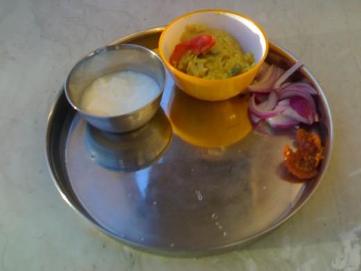 Arisiyum paruppu choru with accompaniments.