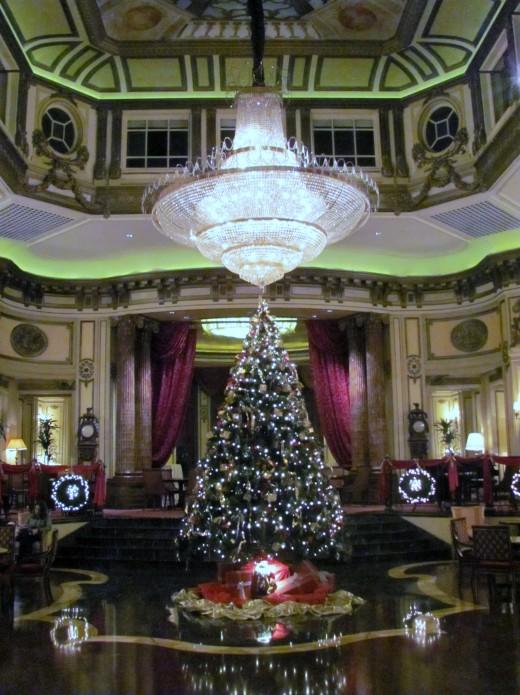 St Regis lobby at Christmas