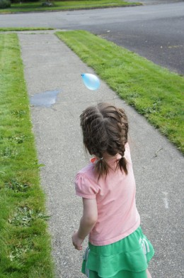 Look at that water ballon fly.