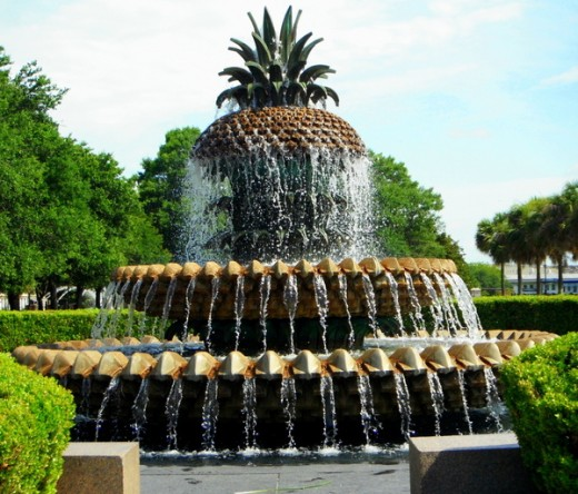The famous Pineapple Fountain at Waterfront Park