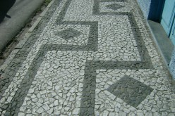 How to make Brick and Cobblestone works of art for your Driveway or Walkways.