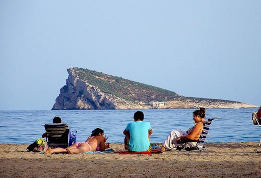 Playa de Poniente with Benidorm Island in the background