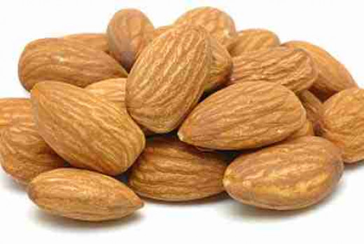Almonds rich in vitamins and minerals public domain