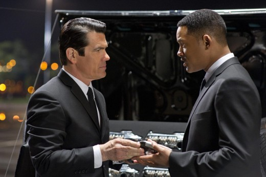 Josh Brolin plays a young Kay and Will Smith is Jay in the movie Men in Black III