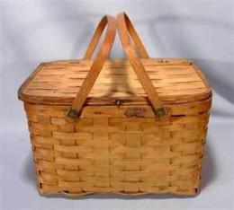 A nic picnic basket