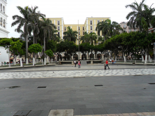 Plaza in the center of Veracruz next to the Cathedral.