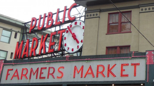 Pike Market Sign