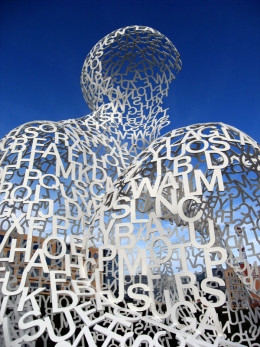 """Nomade"" by the Spanish artist Jaume Plensa"
