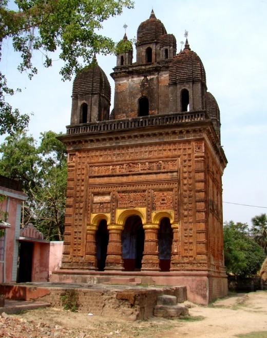 Lakshmi Janardan temple with nine turrets (NABARATNA); Ghurisa