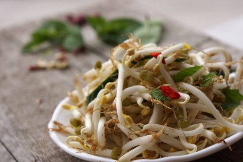 bean sprouts salad, without peanut :p