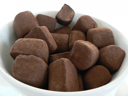 Lindt Chocolate Truffles: Quality dark chocolate can help protect the skin from the inside out to reduce sun damage and skin cancer.