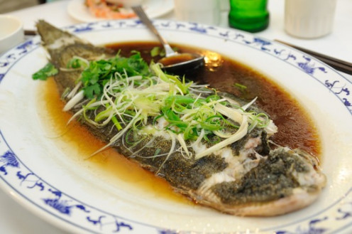 How to steam fresh fish in a rice cooker for Chinese steamed fish recipe