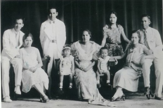 His family circa 1929-1930.  Woman seated (center) is Paciencia Gonzales, his 2nd wife from Catbalogan