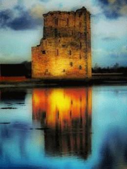 Earl of Desmonds most strategic stronghold Carrigafoyle castle