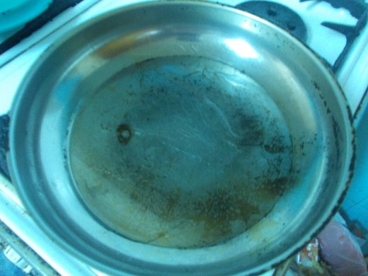 "A hotplate of frying pan, where You will spill just a bit of sunflower oil, just an circle ... Put the ""mix"" into it."