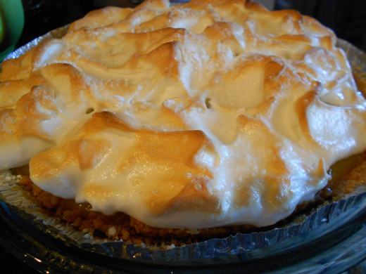 Lemon meringue pie exterior