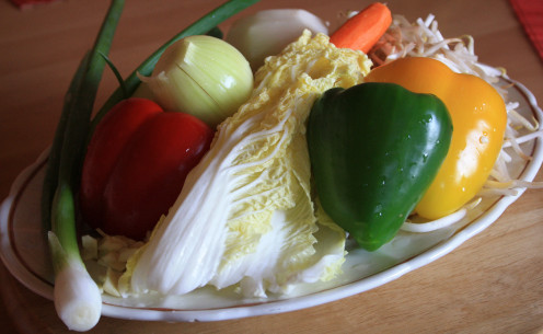 Bell peppers, Onion, Chinese Cabbage, Carrots, Chayote, Soybean Sprouts and Spring Onion