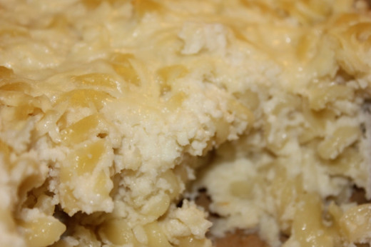 Healthy mac n cheese made with cauliflower and romano.