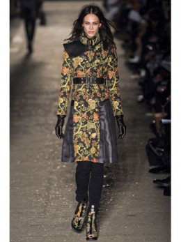 A long heavily embellished coat like this would look amazing on tall rulers.