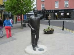 Statue of John B Keane, erected 2007 in Listowel.