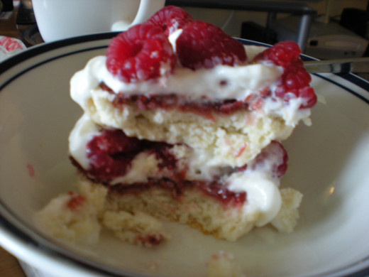 Raspberry shortcake, not too pretty but pretty tasty