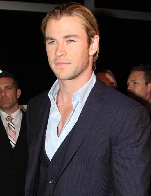 Chris Hemsworth plays the Huntsman.