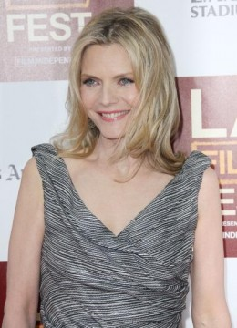 """Michelle Pfeiffer rocking the 50's with grace and """"wassup-ness!"""""""