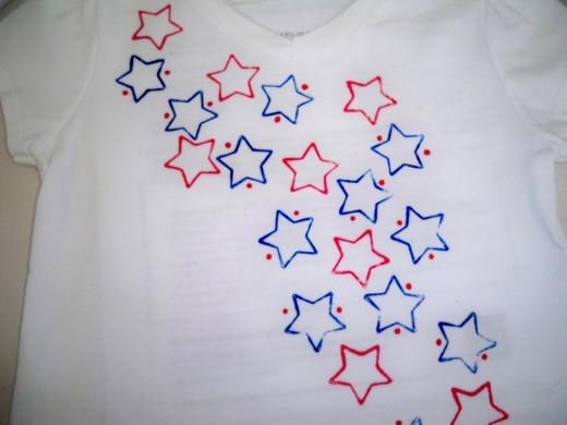 Adding in red dots around blue stars.