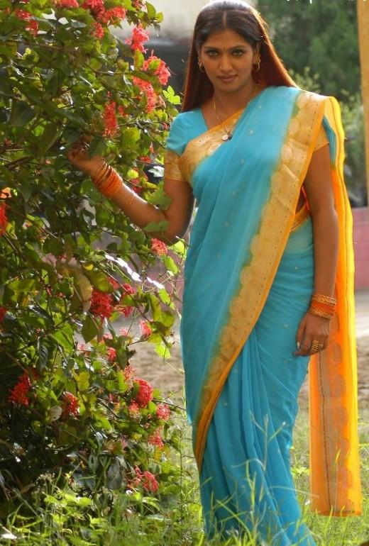HOT ACTRESS BHUVANESWARI PICTURES