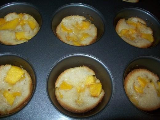 peach mini muffins