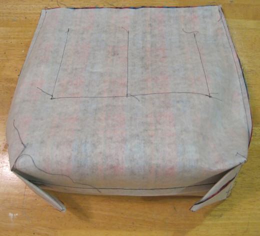 The box bottom was formed just as the project from the first two denim skirt handbag hubs.