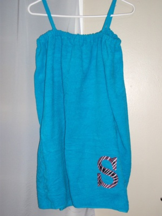 This easy swimsuit coverup took less than 30 minutes to whip up -- because all my supplies were in order.