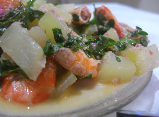 Creamy Papaya and Shrimp Stew