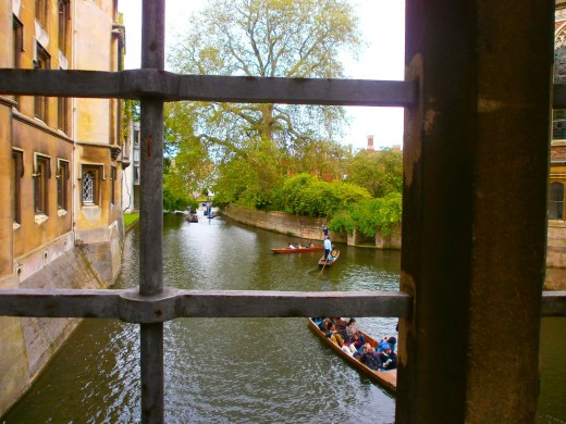 Boating on the river Cam is very popular among the students and tourists. Photo by Flysky