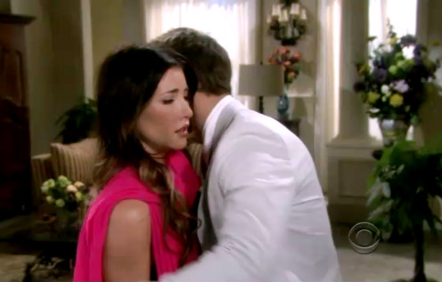 Steffy comforts Liam when he thinks Hope has left him on their wedding day