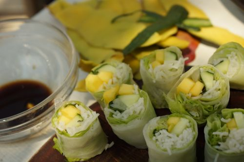 Mango summer rolls, vegetarian rolls