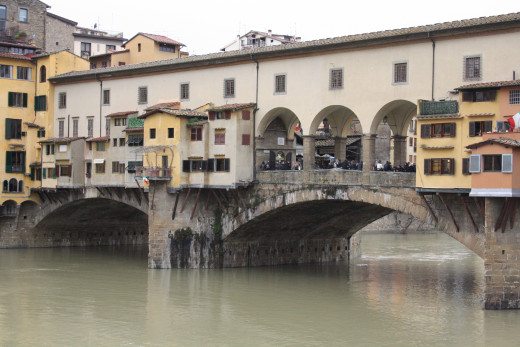 Another picture of the Ponte Vecchio
