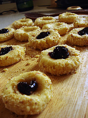 Raspberry jam thumbprint cookies