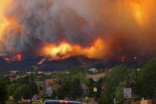 The major pollution from Colorado Wildfires and heat wave causes serious health risks.