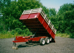I used this dump trailer for my old hauling business. Sure, it's practical - but by keeping it clean, it helped with marketing, too!