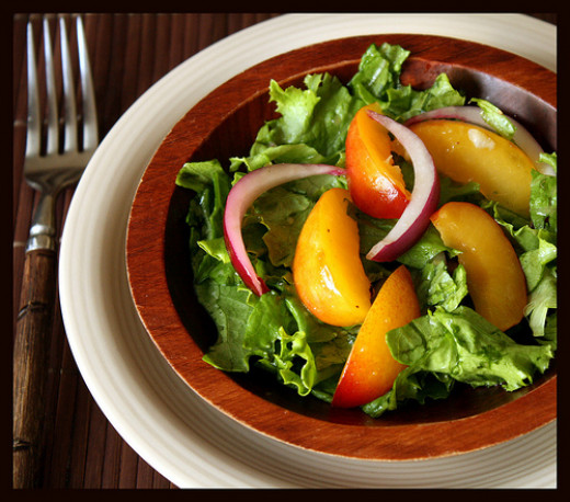 This salad can be easily made in just a few minutes for a great low calorie lunch or dinner meal.