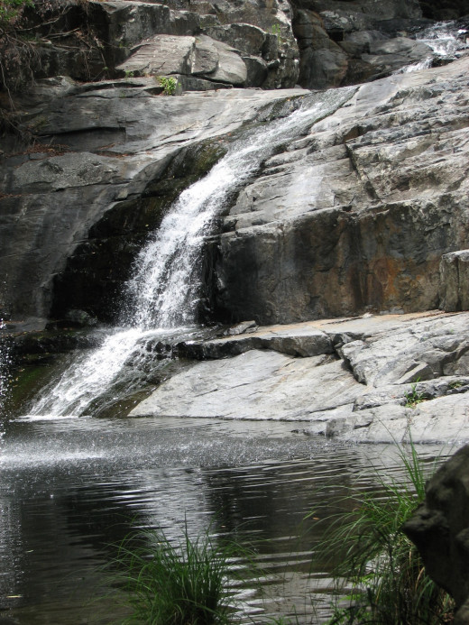 One of the larger waterfalls at the Cedar Creek Falls.