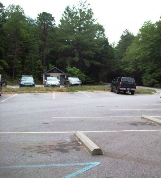 Rice Pinnacle parking lot and trailhead.
