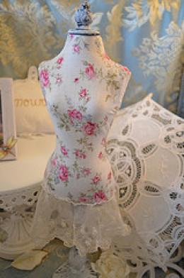 Shabby Dress Form