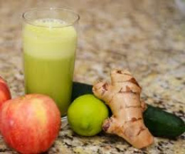 Refreshing apple and ginger juice