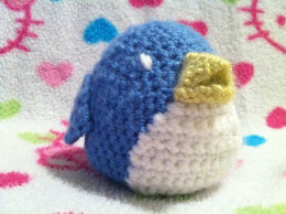 Amigurumi blue bird