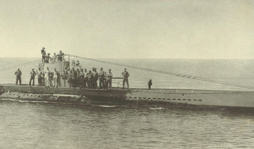 WWI: A Type U 31 German submarine. U-33 of the German Imperial Navy was of this type. This is the U-38. Its crew is enjoying a refreshing bath of air the morning after an exhausting night cruise.